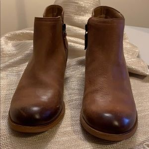 Clark Boots size 6.5